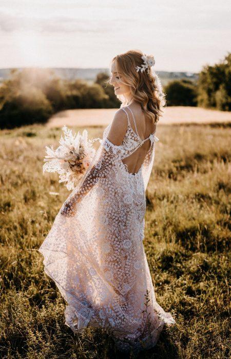 Boho Hochzeit Kleid mit tiefen Rücken